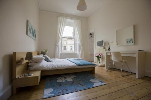 Elm Row Apartment